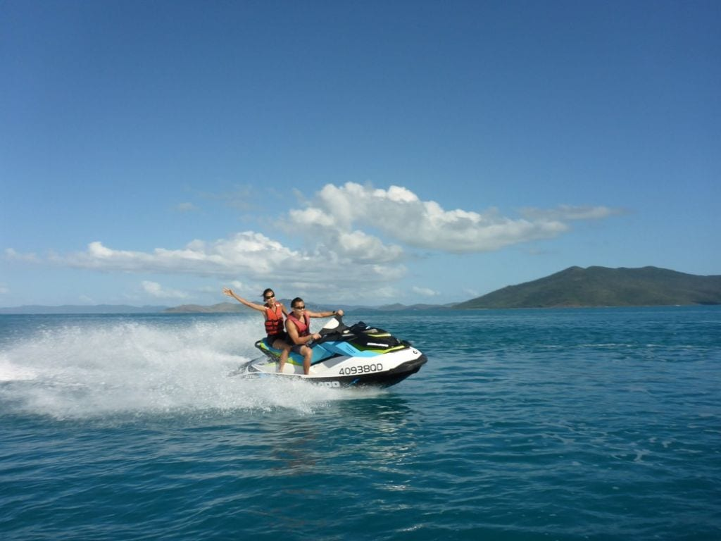 whitsundays tours from airlie beach